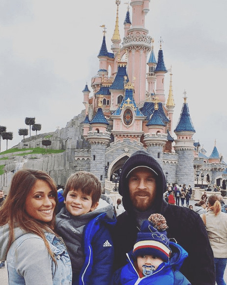 Mateo Messi Roccuzzo With Family In Disneyland