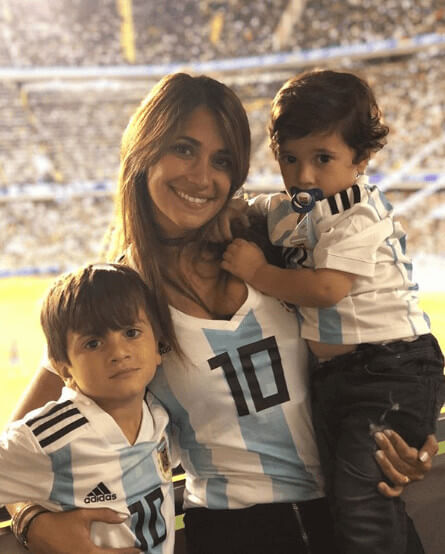 Mateo Messi Roccuzzo With Mother And Brother