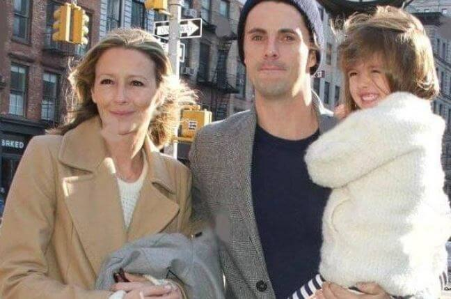 Sophie Dymoke and Matthew Goode with their daughter.