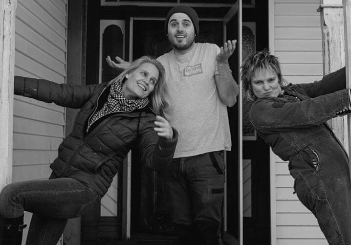 Carly with her mother, Shaynna Blaze, and brother, Jesse Thomas Kenneally.
