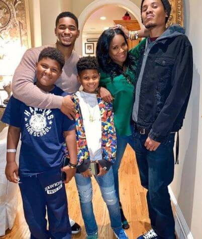Naviyd Ely Raymond with parents, Usher and Tameka Foster, and siblings.