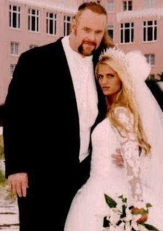 Sara Calaway and The Undertaker at their wedding ceremony.