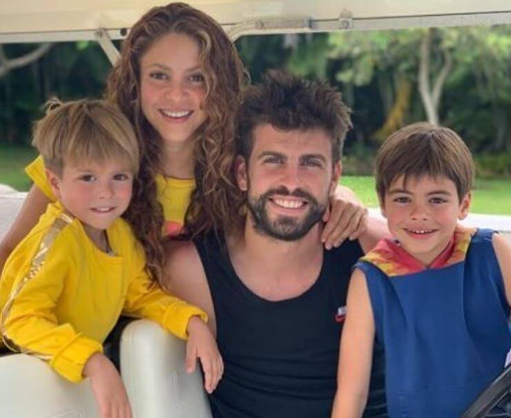 Montserrat Bernabeu son Gerard Pique with his girlfriend Shakira and children.