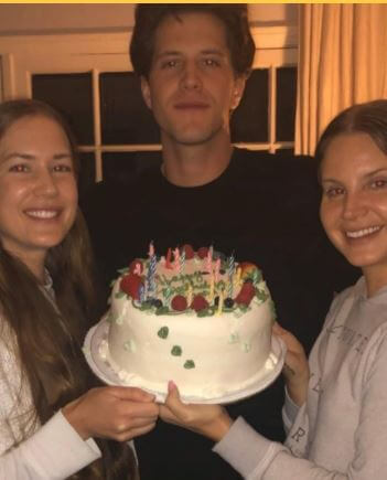 Charlie Hill Grant, with his sisters Lana Del Rey and Caroline
