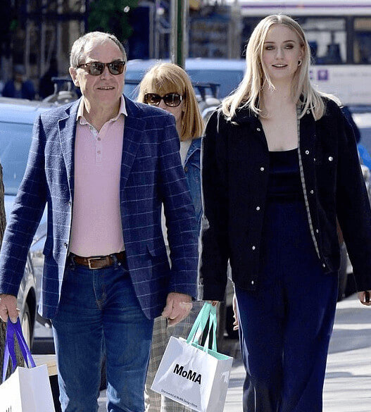 Shopping Mood With His Daughter