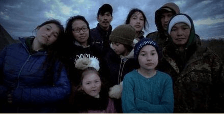 Agnes Hailstone with her husband Chip and children Mary, Tinmiaq, Caroline, Quantan, Iriqtaq, Douglas, and Jon