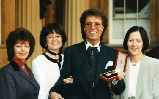 Jacqueline with her elder sister donna (left) brother Richard and younger sister Joan