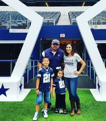 Ricardo Joel Gomez with his wife and children.