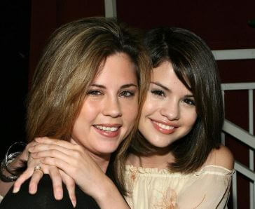 Mandy Teefey with her celebrity daughter Selina Gomez