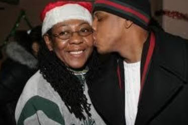 Gloria Carter with her celebrity son Jay Z.