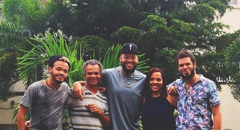 Jamie Fenty with his father and siblings.