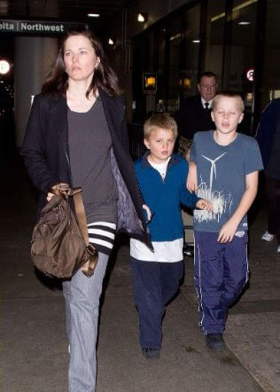 Judah Miro Tapert with his mother Lucy Lawless and brother Julius Robert Bay Tapert