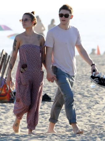 Chris Frangipane's daughter, Halsey with her then-boyfriend Evan Peters enjoying their date on a beach.