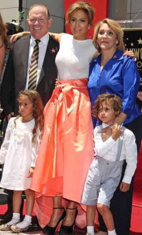 David Lopez with his daughter Jennifer Lopez, former wife, and his grandchildren.