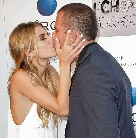 Dominic Purcell Kissing Girlfriend AnnaLynne McCord