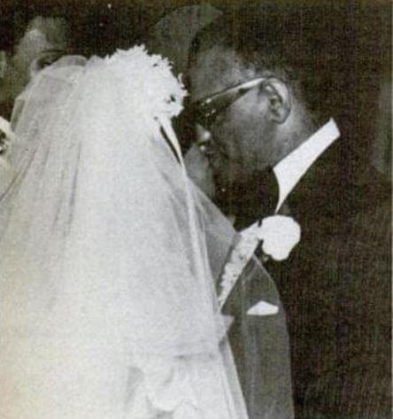 Della Beatrice Howard Robinson with Ray Charles on their wedding day.
