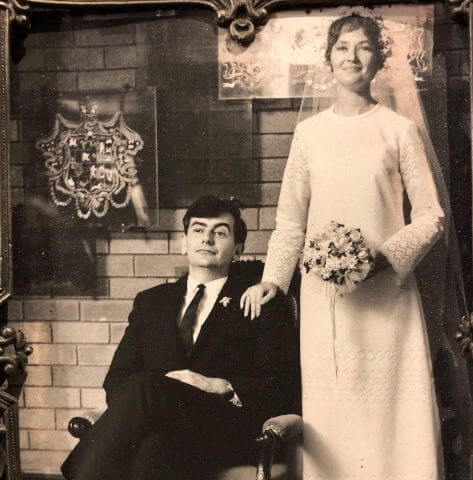Leigh Hubbard's father Mike and mother Wendy on their wedding day.