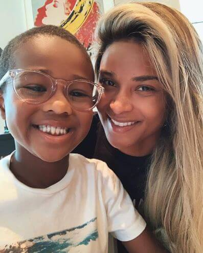 Future Zahir Wilburn with his mother, Ciara.