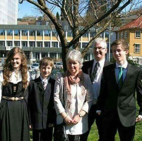 Philip Alan Walker with his wife, Hilde Omdal Walker and three children.