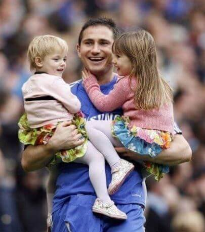 Childhood picture of Luna Lampard and her sister with dad, Frank Lampard.