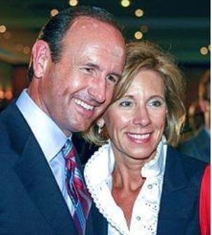 Elisabeth DeVos's mom, Betsy DeVos and dad, Dick DeVos.