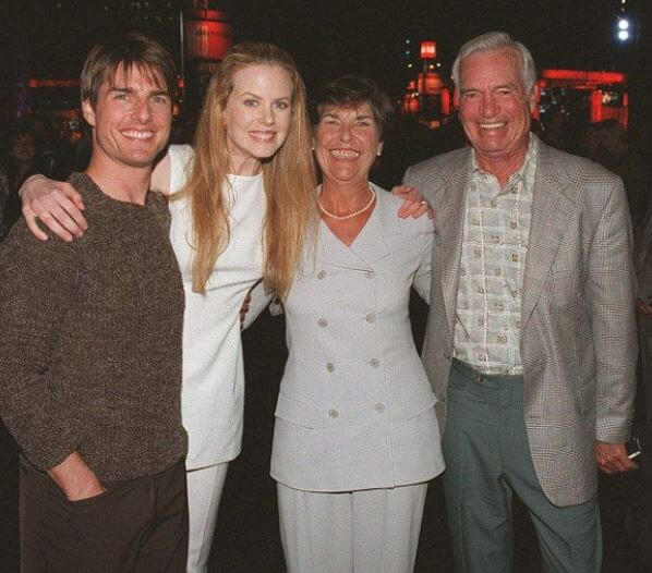 Thomas Mapother III's son, Tom Cruise, with his mother and stepdad.