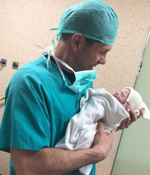 Carla Pereyra husband Diego Simeone with their newborn daughter, Valentina.