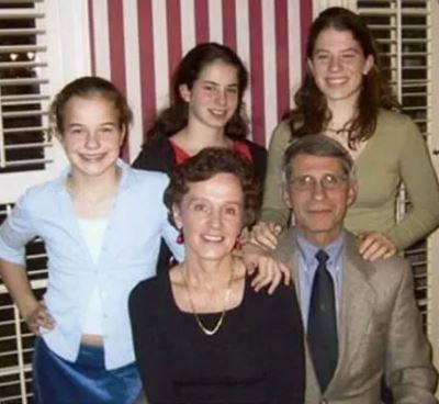 Jennifer Fauci with her parents Christine Grady and Anthony Fauci, and siblings  Megan Fauci and Alison Fauci
