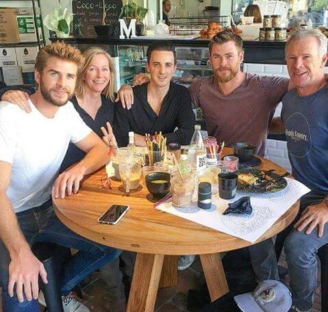 Leonie Hemsworth with her family.