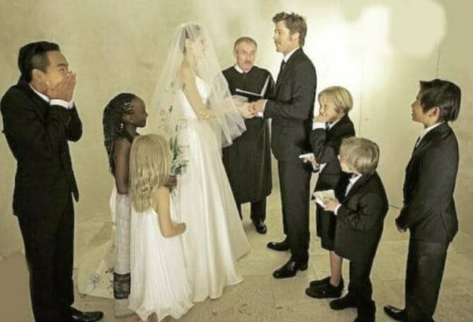 Vivienne Jolie-Pitt at the wedding of her parents Angelina Jolie and Brad Pitt along with her siblings.