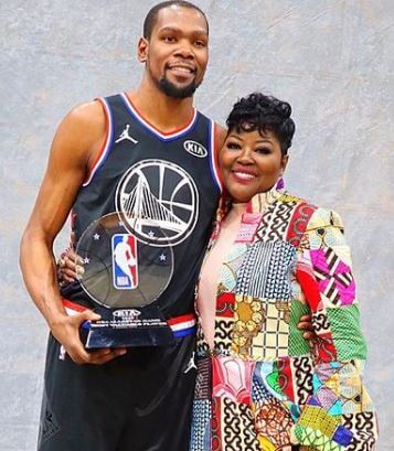 Wanda Durant with her son Kevin Durant.